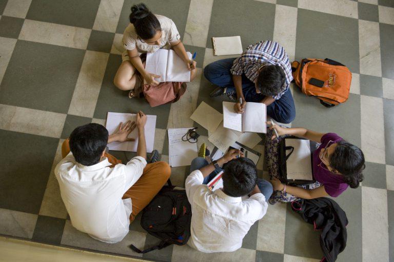 processo de aprendizagem com múltiplas inteligencias, teoria de Howard Gardner - Geekie