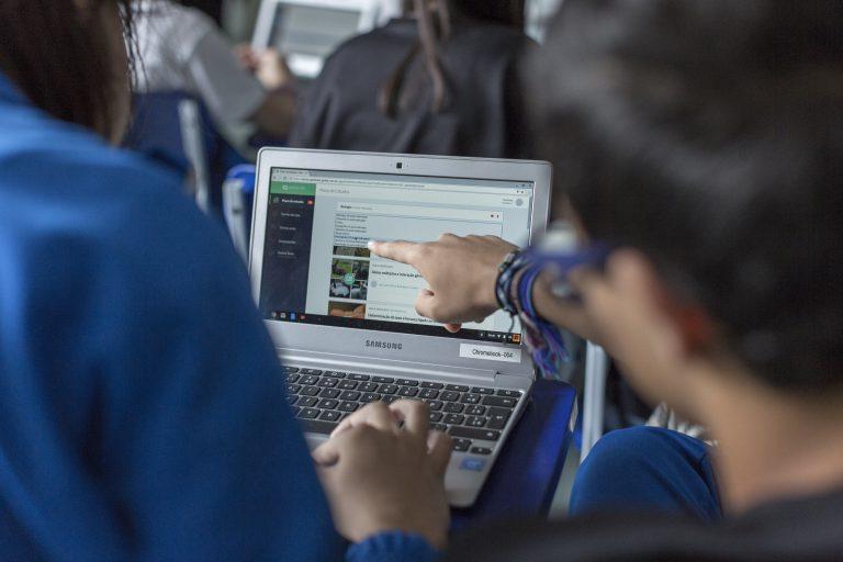 Geekie One e a dinâmica pedagógica do Colégio Magister