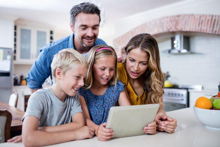 template gratuito para um Plano de comunicação com famílias - InfoGeekie